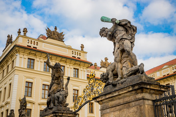 Devant le Palais Présidentiel de Prague
