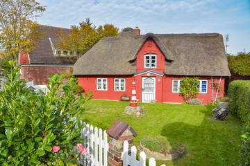 altes Friesenhaus mit Reetdach / Insel Amrum