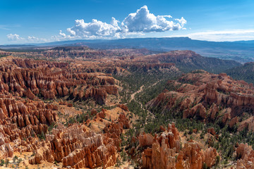 Hoodoos in the sunlight at Bryce Canyon National Park in Utah
