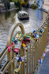 Cadenas sur le Pont des amours de Prague