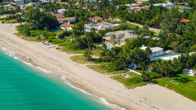 Luxury beachfront mansions in South Florida