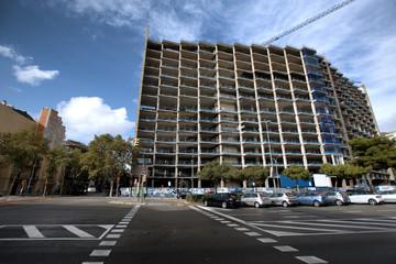 Edificio en construcción en el centro de Barcelona ciudad