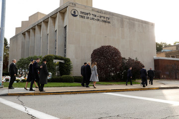 President Trump and first lady arrive at Tree of Life Synagogue mass shooting scene in Pittsburgh