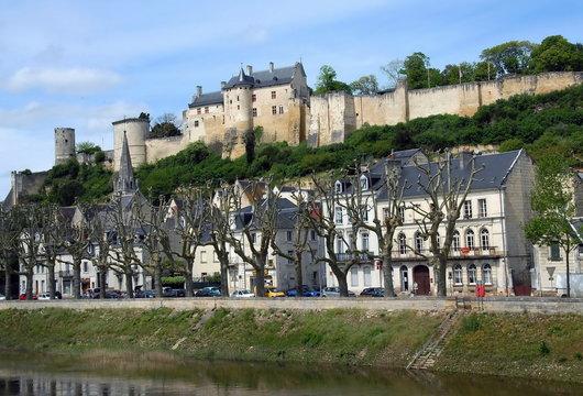 """La Forteresse royale de Chinon (Xe-XIIe siècles), elle domine la ville et la Vienne affluent de la Loire, """"Château de la Loire, département d'Indre-et-Loire, France"""
