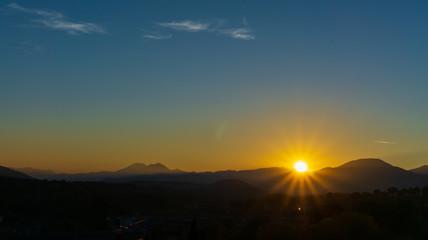 Isernia, tramonto sulle Mainarde