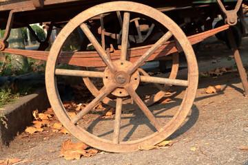 ruota di un carretto, wheel of a cart