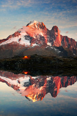 Foto auf Gartenposter Reflexion Crystal Lakes Chamonix in the Alps