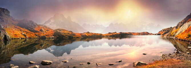 Foto op Canvas Reflectie Crystal Lakes Chamonix in the Alps