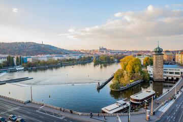 Vue de Prague depuis la terrasse de la Maison dansante