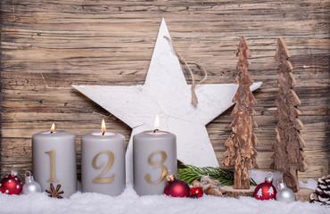 dritter Advent Gesteck mit Kerzen Antik
