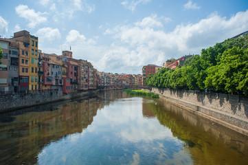 fleuve traversant gérone