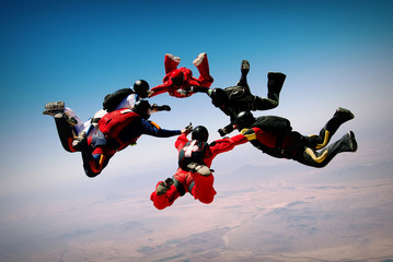 Skydiving teamwork formation