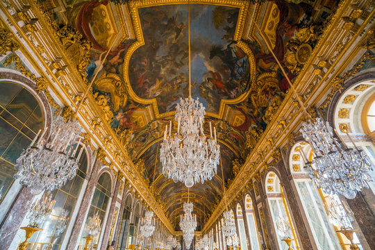 The hall of mirrors in Palace of Versailles