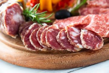 Tagliere di salame italiano