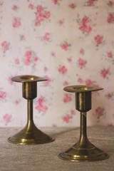 Dos candelabros