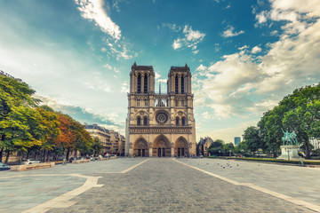 Notre Dame cathedral in Paris, France. Scenic travel background. Fototapete