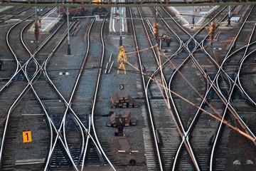 Railway station, transporting system