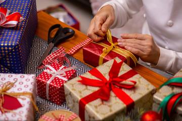 Prepare gift for decoration