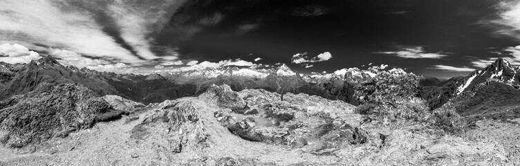 Panoramic view from on the Routeburn trek, New Zealand
