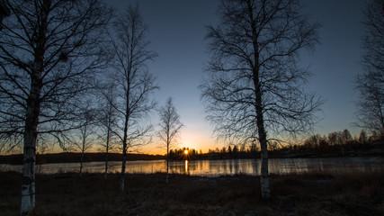 Sonnenuntergang an einem Wintertag in Schweden
