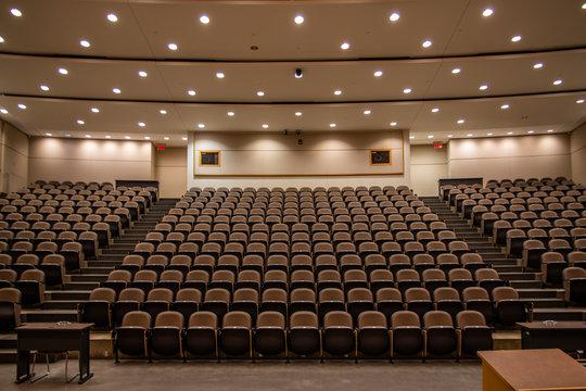 School Closure, Empty lecture hall, online school