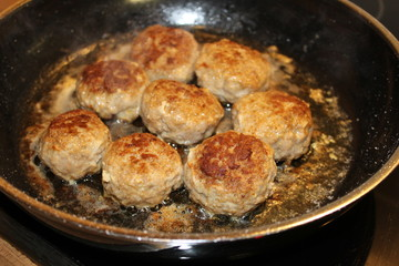 Meatballs in the pan
