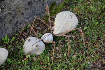 Ameise aus Steinen