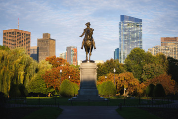 Fotobehang Historisch mon. George Washington monument at Public garden in Boston Massachusetts USA