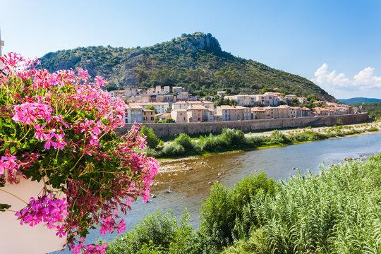 Anduze sur les rives du Gardon, Gard, Occitanie, France