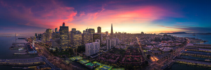 Fototapete - Aerial Panoramic View of San Francisco Skyline at Sunset