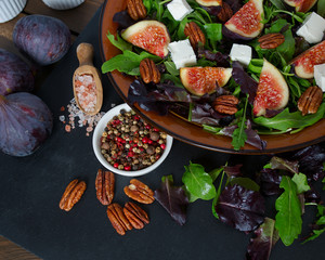 figs, feta,rucola and pecan nut salad