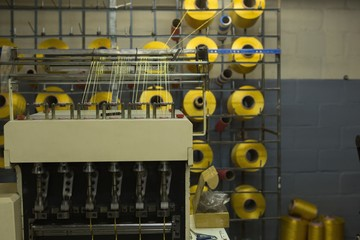 Thread roll arranged in pallet rack