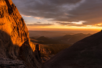 Fototapete - Sunrise in Rocky Mountain National Park, Colorado.  Photo taken during a climb of Longs Peak