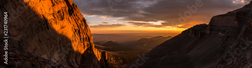 Fototapete Sunrise Panorama in Rocky Mountain National Park, Colorado.  Photo taken during a climb of Longs Peak