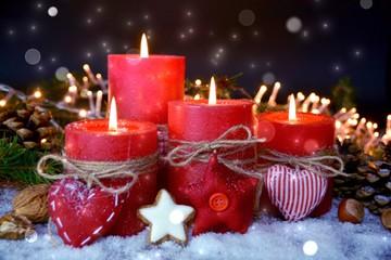 Adventskerzen rot - vierter Advent - besinnliche Weihnachtszeit