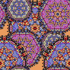 Arabesque seamless pattern. Seamless Pattern Circle Ornament. Violet kaleidoskopic design
