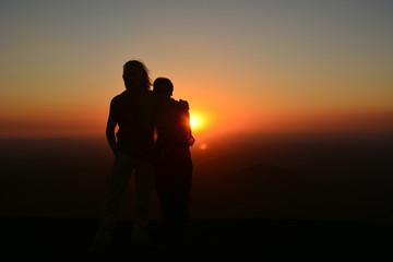 Amour et coucher de soleil