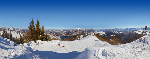 Fototapete - Mountains ski resort St. Gilgen Austria