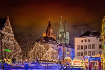 Köln und Weihnachtsmarkt