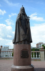 Foto auf Acrylglas Denkmal Monument to Patriarch Alexy II near the Holy Dormition Cathedral in Vitebsk