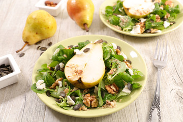 salad with pear, cheese and nuts