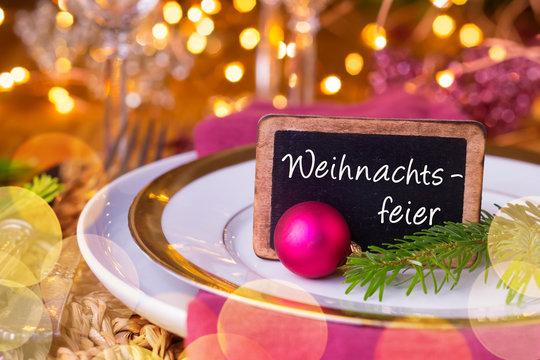 Festlich gedeckter Tisch zu Weihnachten  -  Weihnachtsfeier