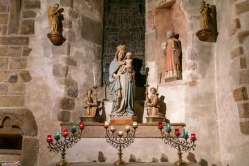 教会の聖母像