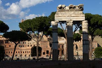 Columnas del Templo de Castor en el Foro Romano Roma Italia