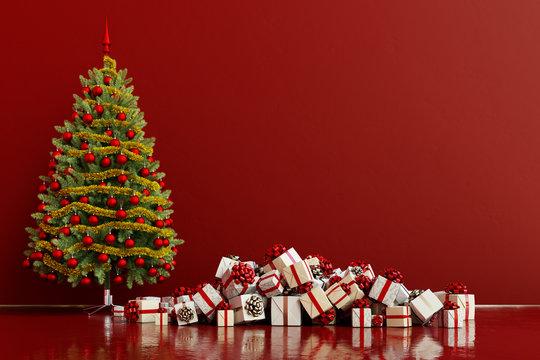 Weihnachtsbaum neben Geschenken zu Weihnachten