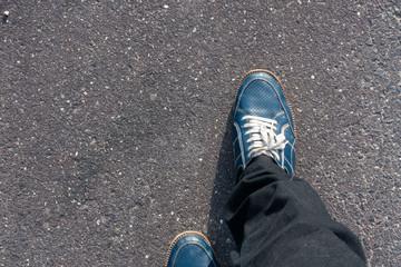 街 / 屋外 / 人 / 靴 / 歩くイメージ