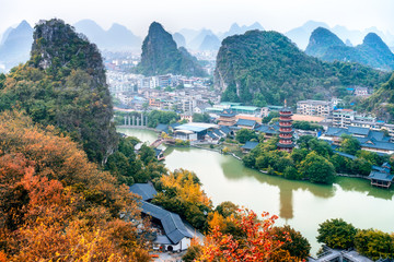 Zelfklevend Fotobehang Guilin Guangxi, China, Guilin, Diecai mountain, mulong lake,panorama autumn scenery