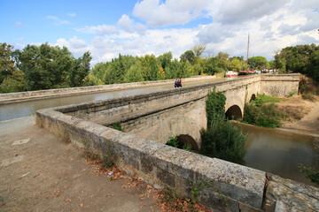 Pont canal sur la Cesse
