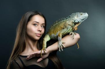 Perfect portrait sensual woman and dragon