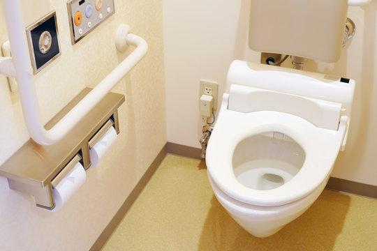 介護用トイレ 公衆トイレ